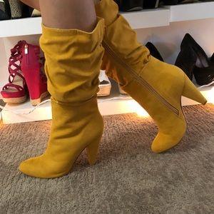 Shoe dazzle Boots NEW)
